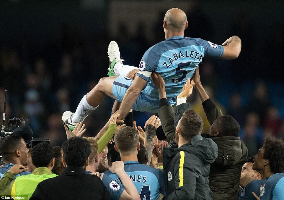Hạ West Brom, Man City cần thêm 1 điểm để dự Champions League - Ảnh 9.