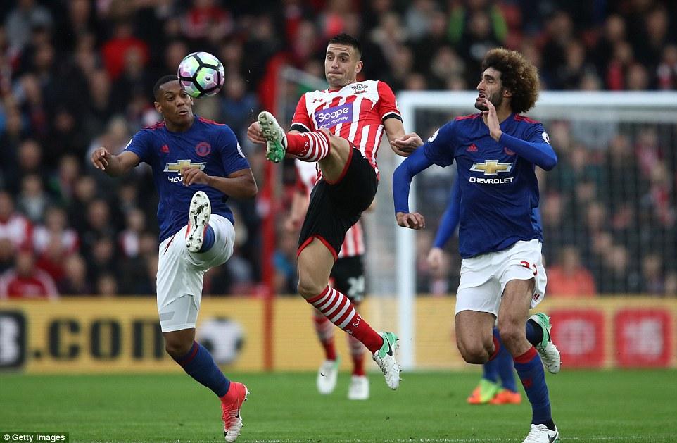 Romero cứu penalty, Man Utd đá như hờn dỗi cả thế giới - Ảnh 9.