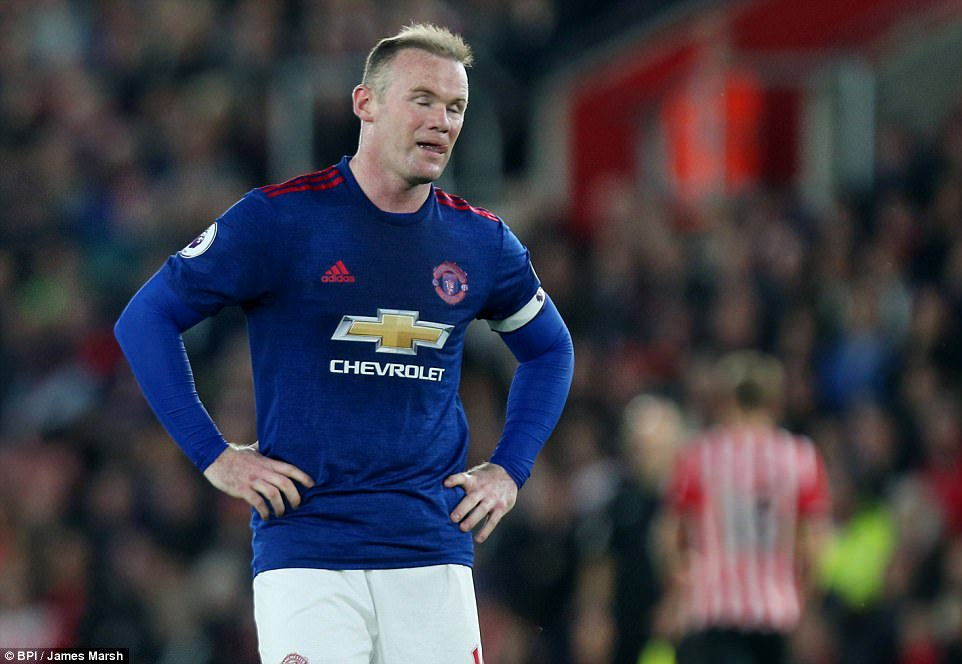 Romero cứu penalty, Man Utd đá như hờn dỗi cả thế giới - Ảnh 3.