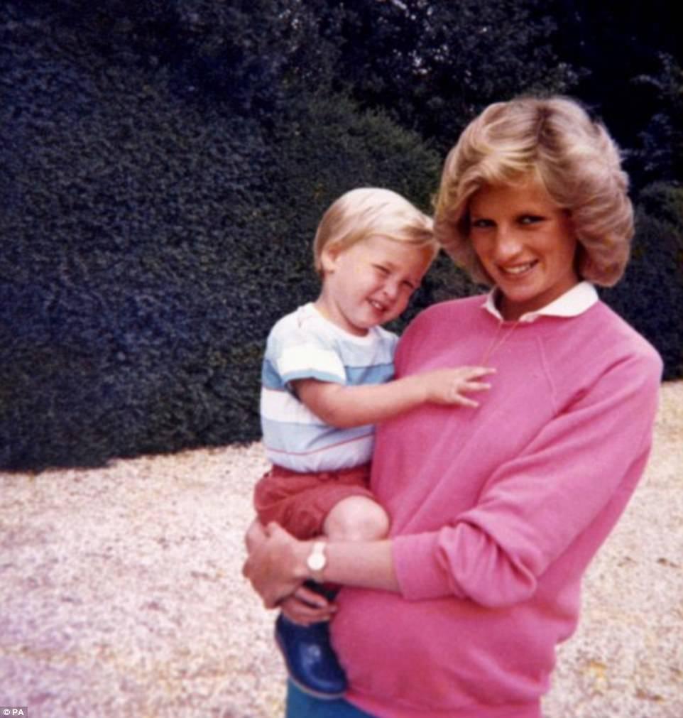 Nước mắt của Hoàng tử Anh: 20 năm chôn giấu hồi ức về Công nương Diana quá cố - Ảnh 10.