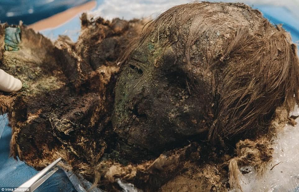 Phát hiện xác ướp công chúa 900 tuổi vẫn còn nguyên tóc, lông mi dài cong vút - Ảnh 3.