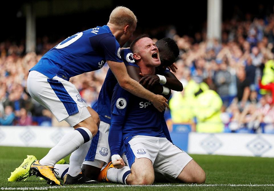 Rooney đóng vai người hùng, viết tiếp chuyện cổ tích với Everton - Ảnh 2.