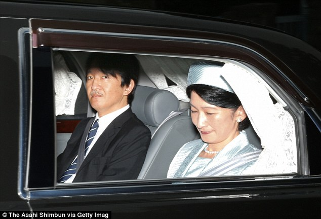 Mối tình công chúa Nhật Bản và người chồng tương lai thường dân: Tôi ấn tượng với nụ cười tỏa nắng của anh ấy - Ảnh 2.