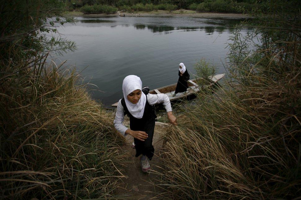 Quốc tế con gái 11/10: Hành trình đến trường gian nan của những bé gái trên toàn thế giới - Ảnh 6.