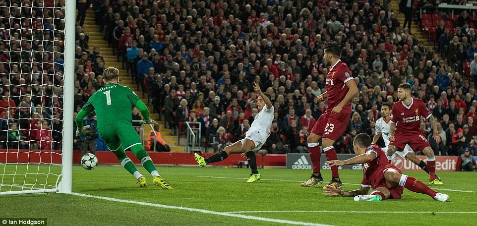 Sút hỏng phạt đền, Liverpool bị chia điểm ngày trở lại Champions League - Ảnh 3.