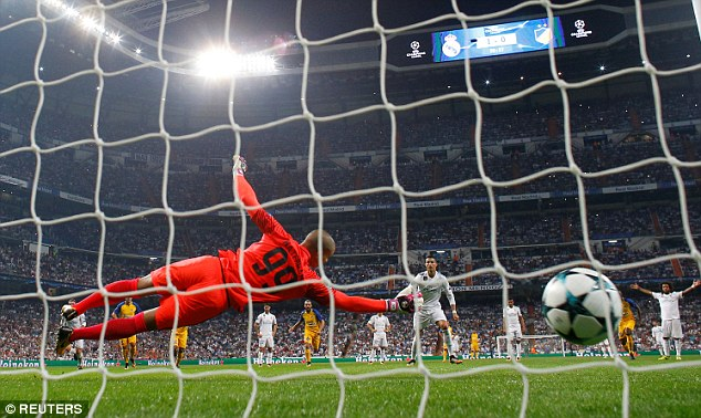 Ronaldo lập cú đúp, Real thắng 3 sao ở Champions League - Ảnh 4.