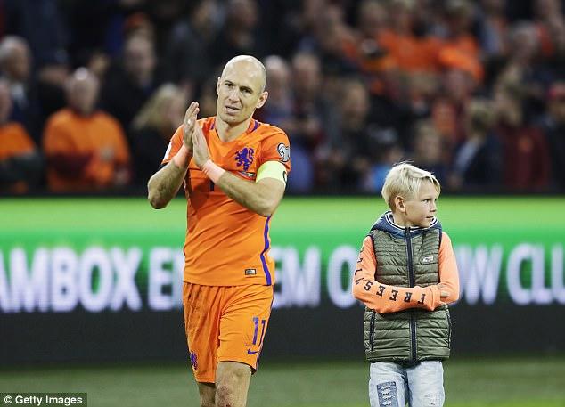 Robben lập cú đúp trong ngày giã từ sự nghiệp quốc tế - Ảnh 2.