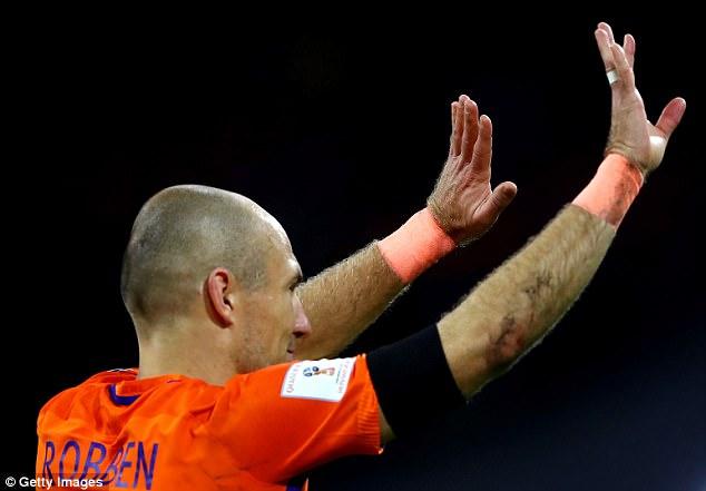 Robben lập cú đúp trong ngày giã từ sự nghiệp quốc tế - Ảnh 3.