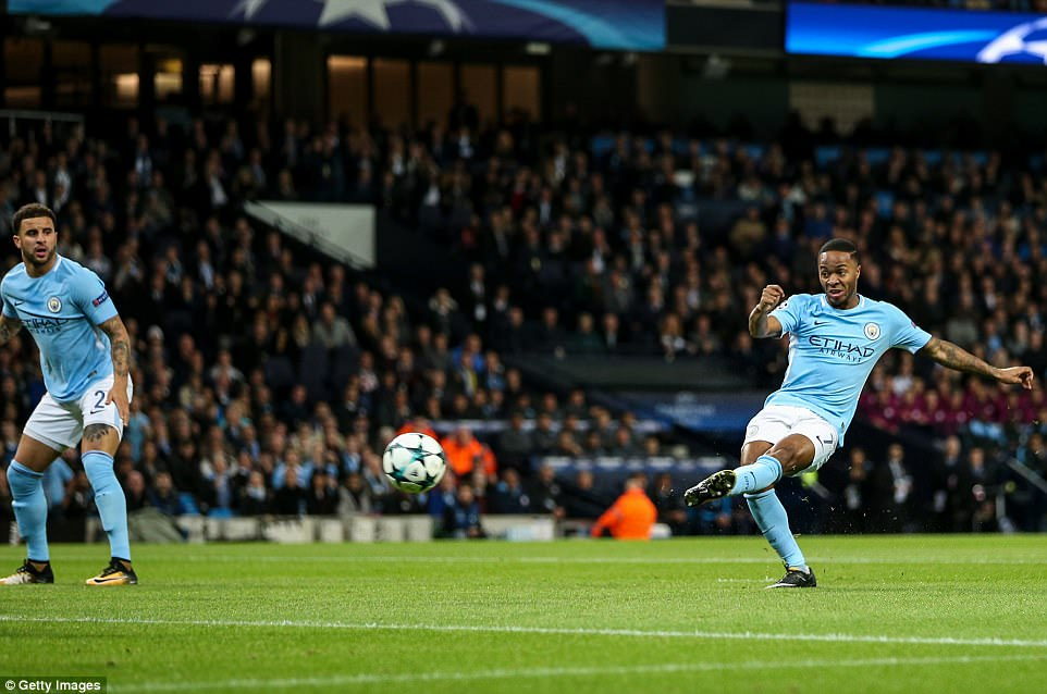 Man City khoe sức mạnh, độc chiếm ngôi đầu bảng F Champions League - Ảnh 3.