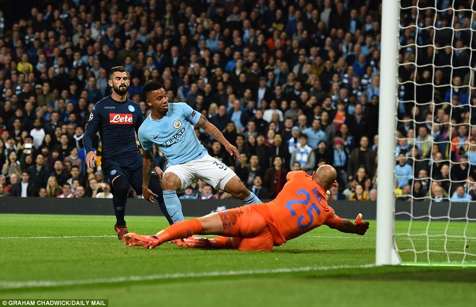 Man City khoe sức mạnh, độc chiếm ngôi đầu bảng F Champions League - Ảnh 5.