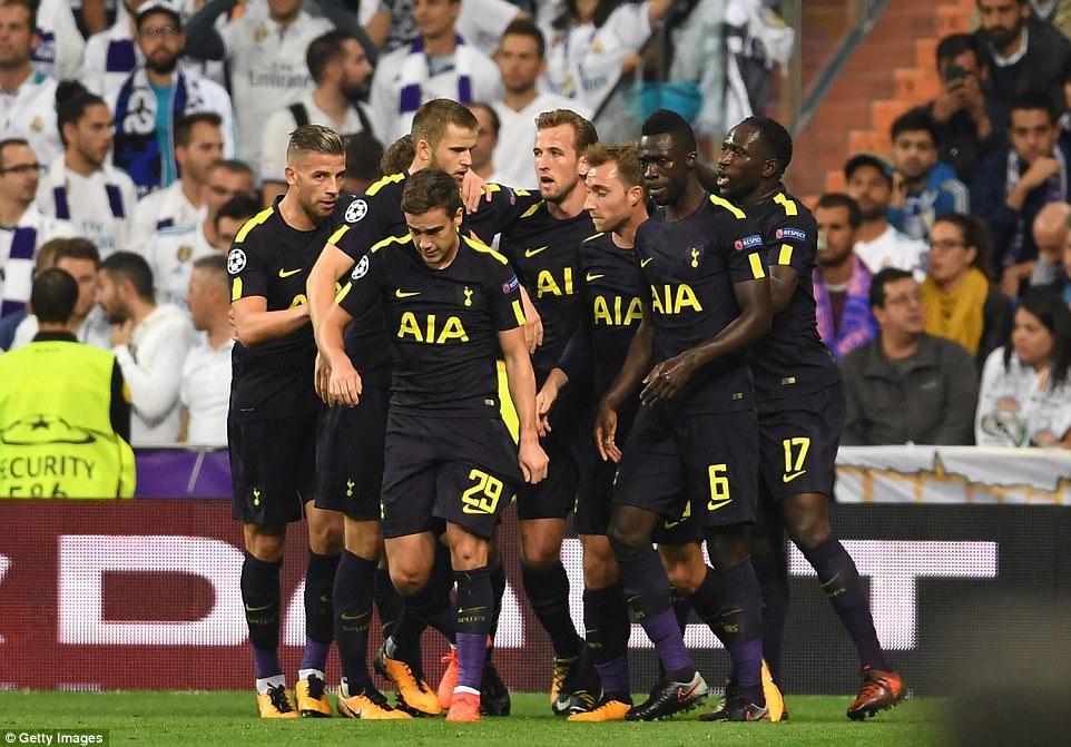 Ronaldo ghi bàn trên chấm penalty, Real Madrid thoát thua Tottenham - Ảnh 9.