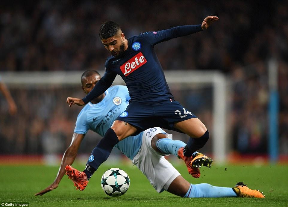 Man City khoe sức mạnh, độc chiếm ngôi đầu bảng F Champions League - Ảnh 10.