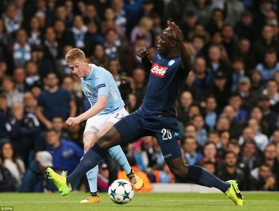 Man City khoe sức mạnh, độc chiếm ngôi đầu bảng F Champions League - Ảnh 2.
