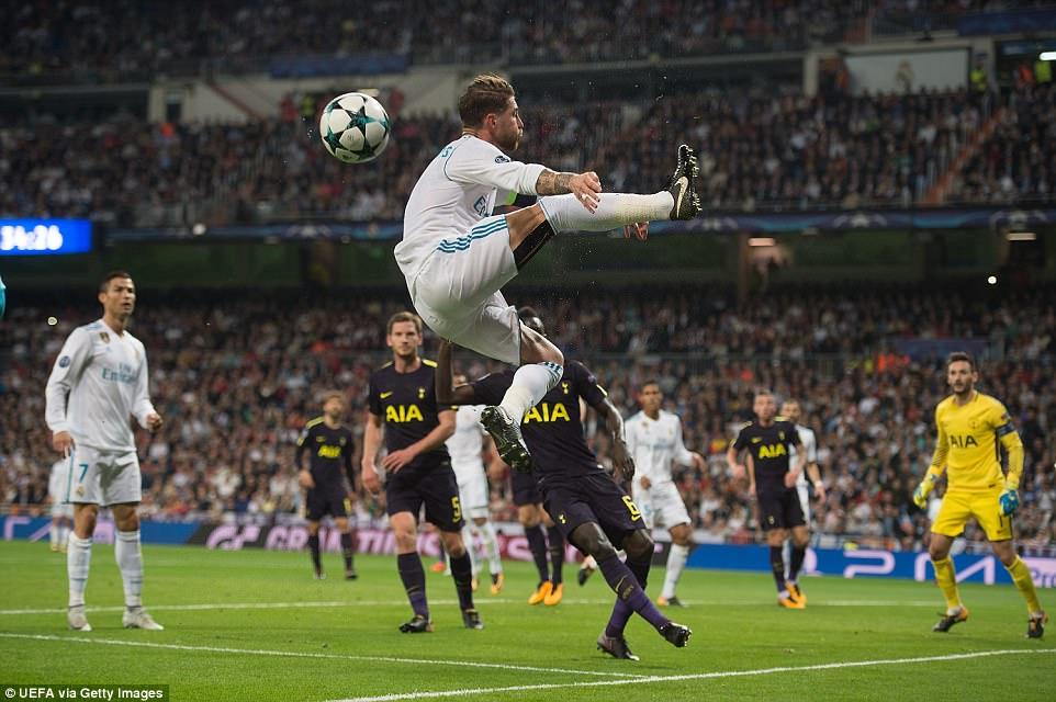 Ronaldo ghi bàn trên chấm penalty, Real Madrid thoát thua Tottenham - Ảnh 15.