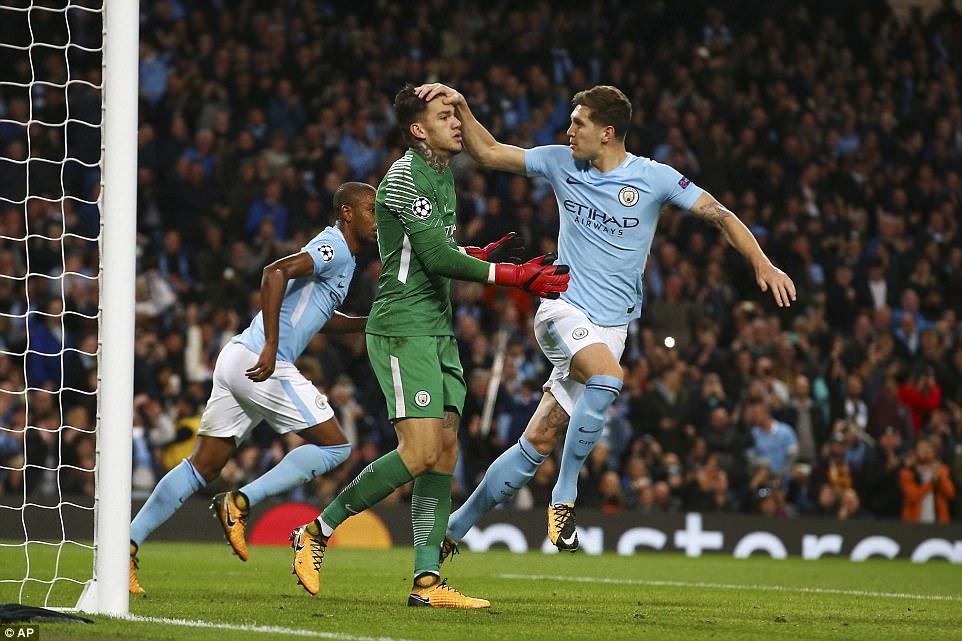 Man City khoe sức mạnh, độc chiếm ngôi đầu bảng F Champions League - Ảnh 9.