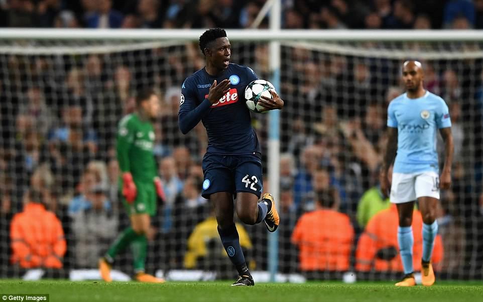 Man City khoe sức mạnh, độc chiếm ngôi đầu bảng F Champions League - Ảnh 13.