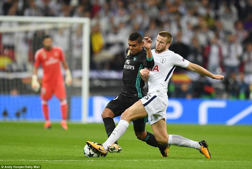 Ronaldo ghi bàn danh dự trong ngày Real Madrid bị Tottenham vùi dập - Ảnh 5.