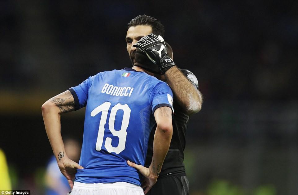 Sau 60 năm, lần đầu tiên Italia phải ngồi nhà xem World Cup - Ảnh 12.