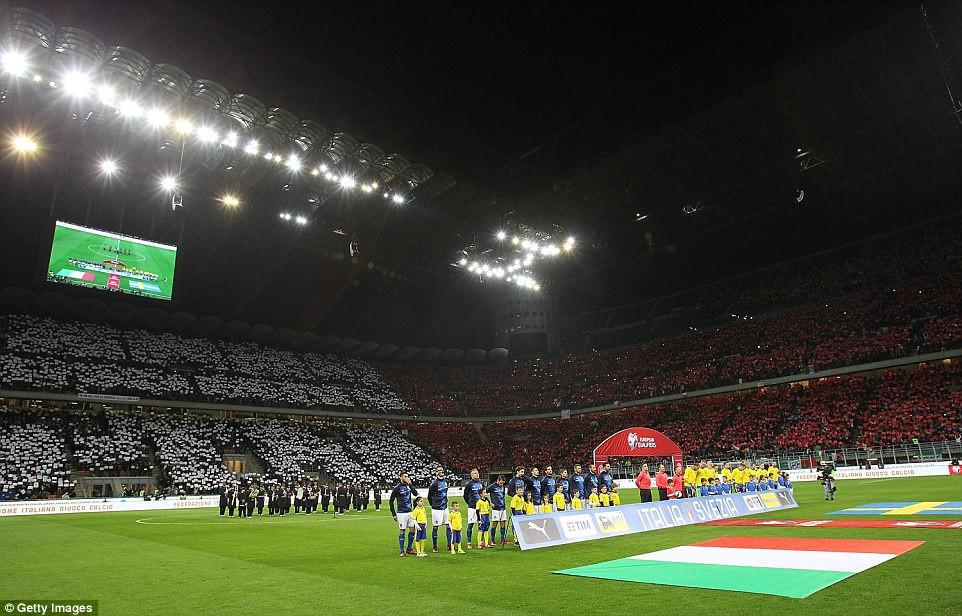 Sau 60 năm, lần đầu tiên Italia phải ngồi nhà xem World Cup - Ảnh 3.