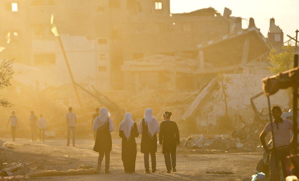 Quốc tế con gái 11/10: Hành trình đến trường gian nan của những bé gái trên toàn thế giới - Ảnh 8.