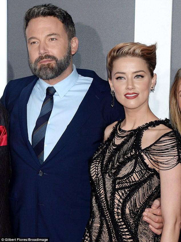 Dù lắm thị phi nhưng Amber Heard quả thật quá xinh đẹp, cân luôn cả Wonder Woman trên thảm đỏ - Ảnh 13.