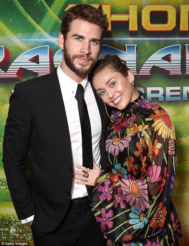 Bức ảnh khoe bụng bầu này chính là bằng chứng Miley Cyrus đã có thai? - Ảnh 7.
