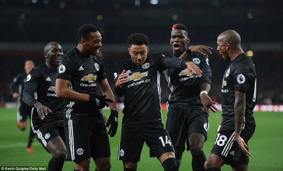 Man Utd quật ngã Arsenal dù Pogba nhận thẻ đỏ - Ảnh 3.