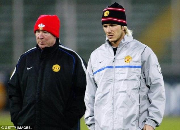 Beckham: Lúc bị đá giày vào mặt, tôi mới biết Sir Alex sút chính xác thế nào - Ảnh 1.