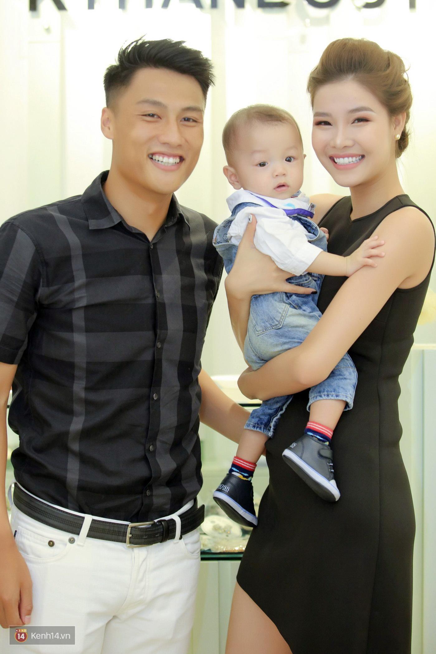 Ngọc Trinh bay ra Hà Nội chúc mừng gia đình Kỳ Hân - Mạc Hồng Quân - Ảnh 2.
