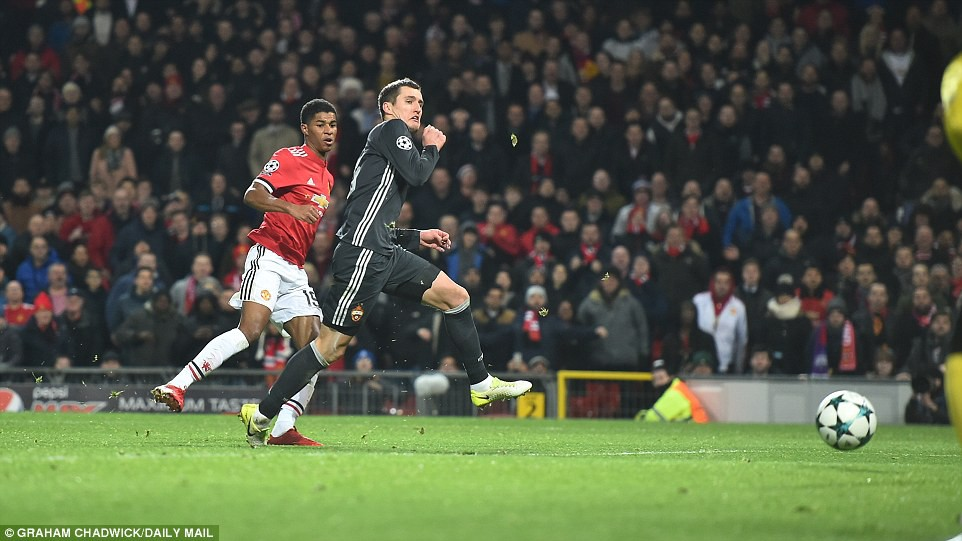 Man Utd lội ngược dòng, giành vé vào vòng knock-out Champions League - Ảnh 8.