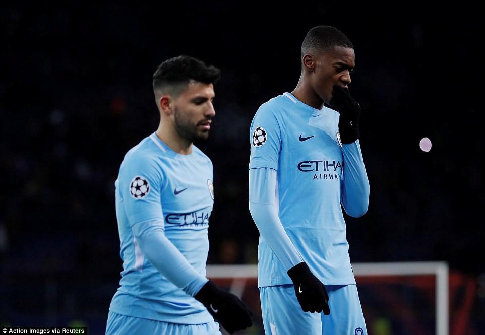 Man City bại trận ở Champions League trước derby thành Manchester - Ảnh 11.