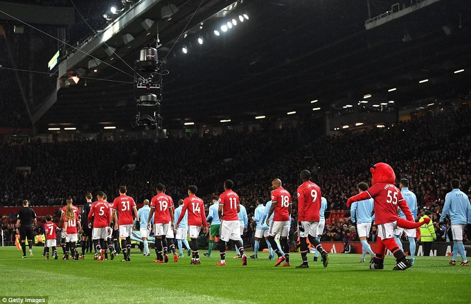 Man City hơn Man Utd tới 11 điểm, đi vào lịch sử Ngoại hạng Anh - Ảnh 2.