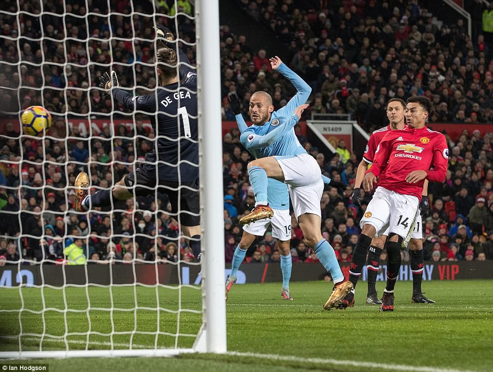 Man City hơn Man Utd tới 11 điểm, đi vào lịch sử Ngoại hạng Anh - Ảnh 5.