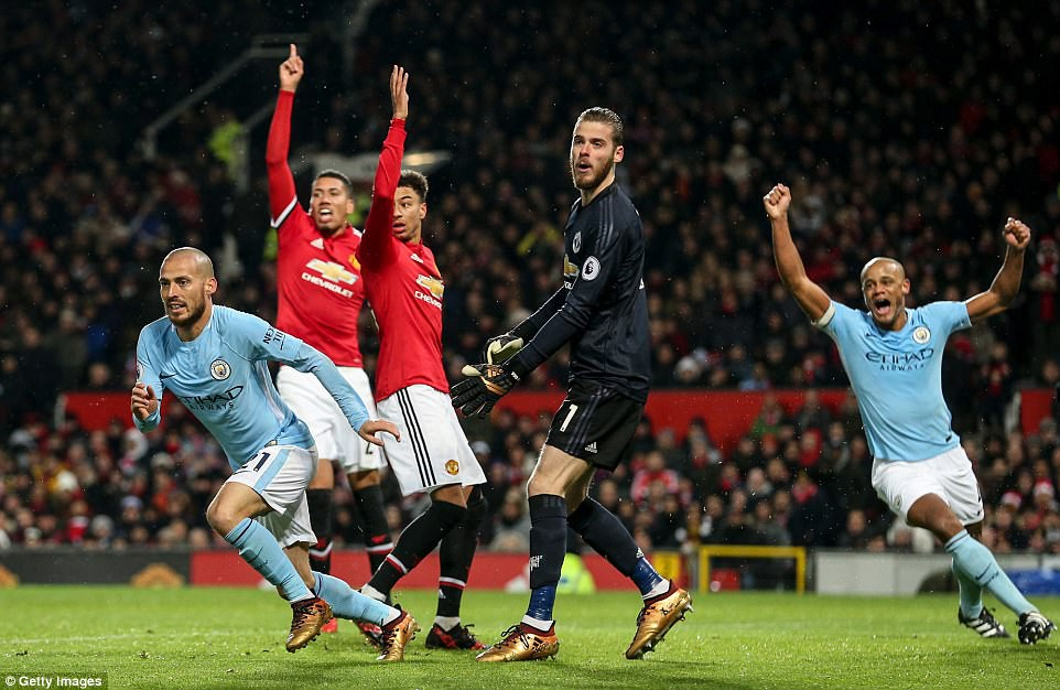 Man City hơn Man Utd tới 11 điểm, đi vào lịch sử Ngoại hạng Anh - Ảnh 6.