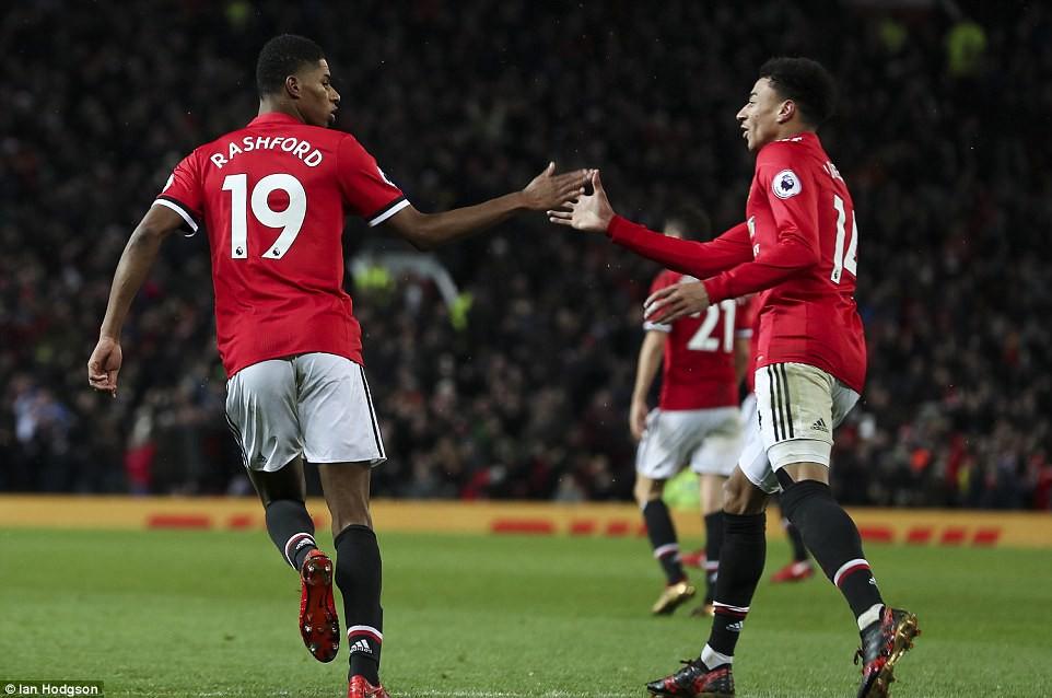 Man City hơn Man Utd tới 11 điểm, đi vào lịch sử Ngoại hạng Anh - Ảnh 8.