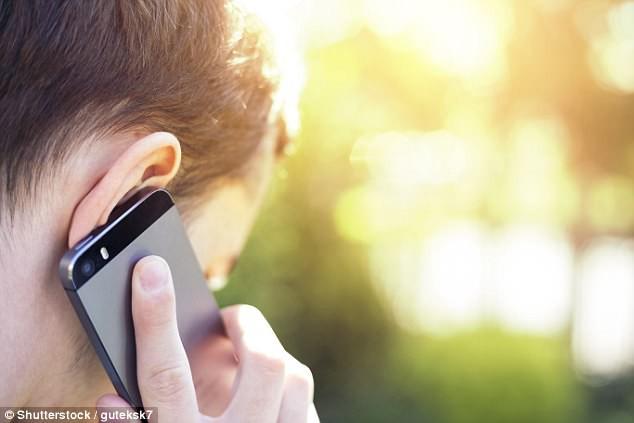 Lời khuyên của Bộ Y tế California: Ngưng ngay việc để điện thoại ở gần trong lúc ngủ để tránh vô sinh và ung thư - Ảnh 2.