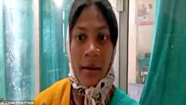Bác sỹ bảo thai nhi đã chết và đuổi khỏi viện, thai phụ tức tưởi đi về thì bất ngờ sinh em bé trên đường - Ảnh 1.