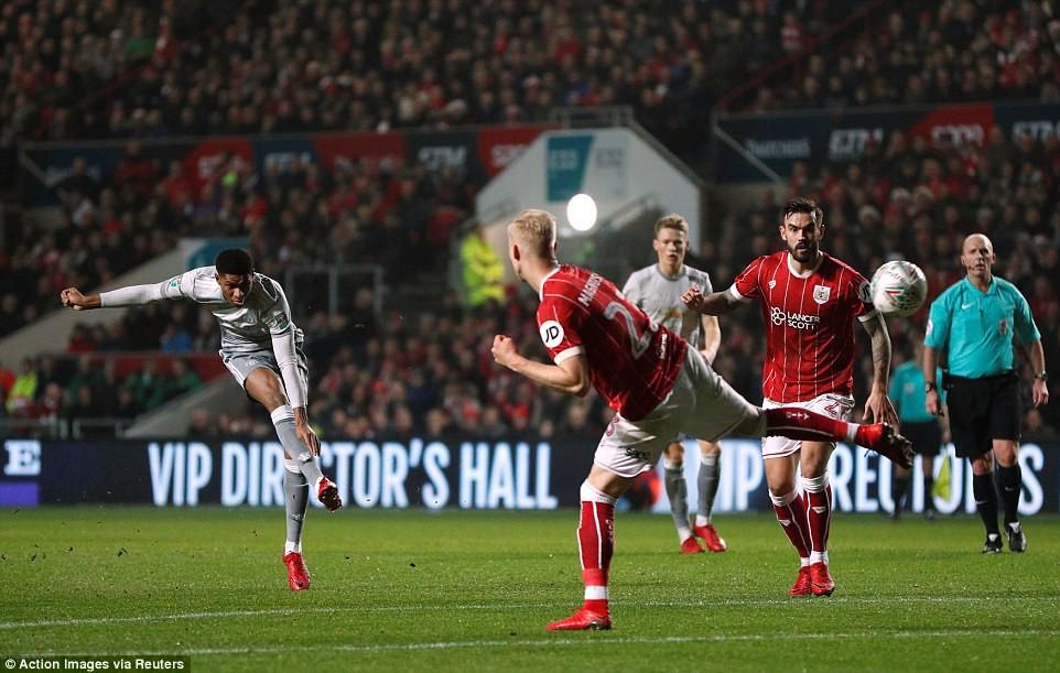 Thua đau phút bù giờ, Man Utd bị đá văng khỏi Cúp Liên đoàn - Ảnh 6.