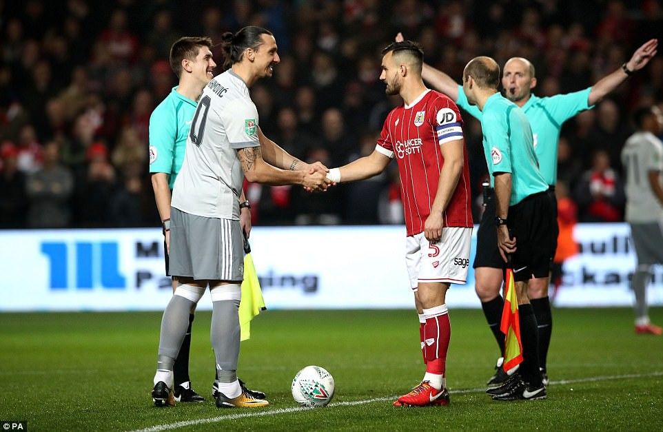 Thua đau phút bù giờ, Man Utd bị đá văng khỏi Cúp Liên đoàn - Ảnh 3.