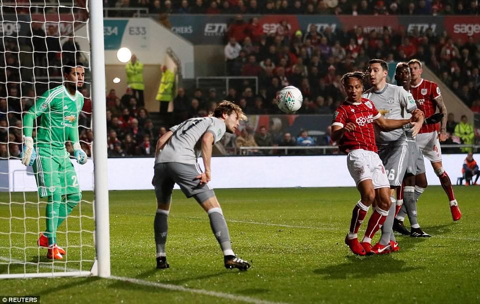Thua đau phút bù giờ, Man Utd bị đá văng khỏi Cúp Liên đoàn - Ảnh 5.