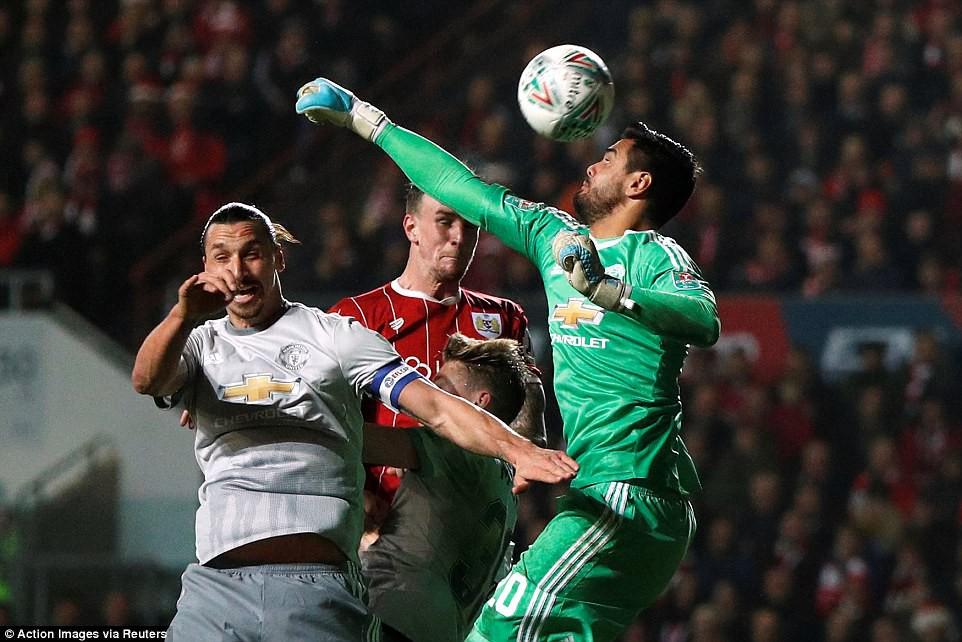 Thua đau phút bù giờ, Man Utd bị đá văng khỏi Cúp Liên đoàn - Ảnh 11.