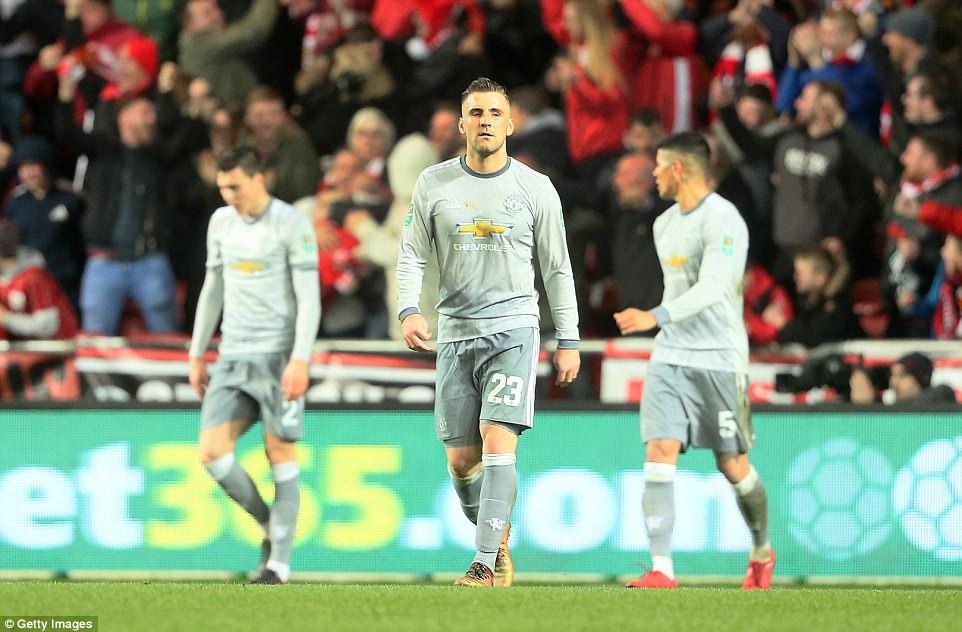 Thua đau phút bù giờ, Man Utd bị đá văng khỏi Cúp Liên đoàn - Ảnh 15.