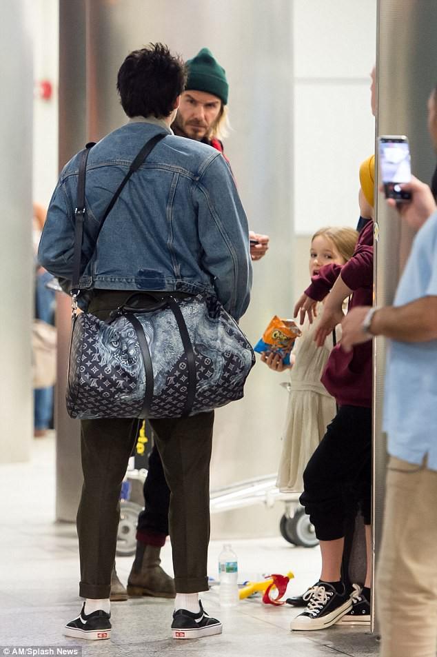 Harper Beckham diện giày 7,2 triệu đồng đi nghỉ mát đón năm mới cùng gia đình - Ảnh 5.