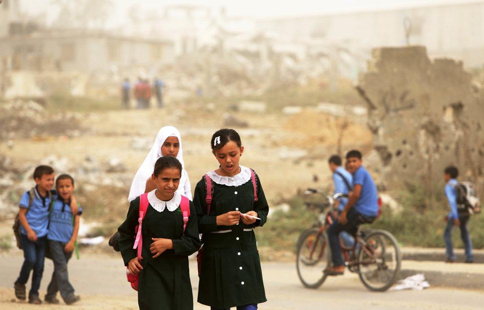 Quốc tế con gái 11/10: Hành trình đến trường gian nan của những bé gái trên toàn thế giới - Ảnh 9.