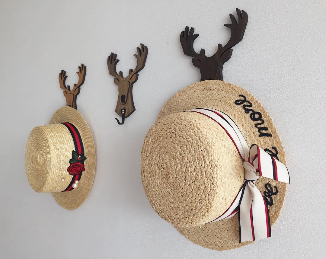 Mũ cói năm nay toàn kiểu xinh tuyệt, sẵn sàng đánh bật hết mũ lưỡi trai, mũ tai bèo - Ảnh 23.