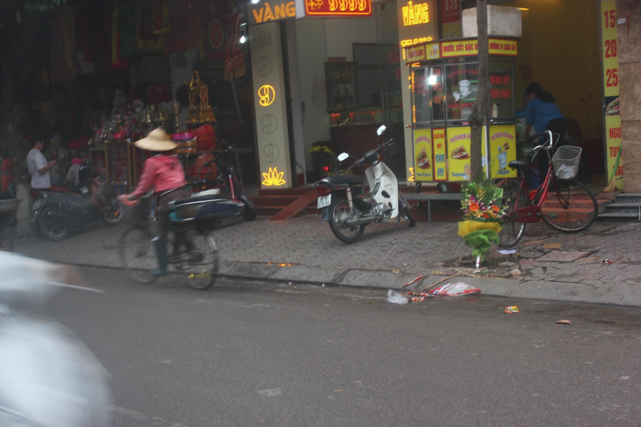 Câu chuyện xúc động về hai người mẹ nghèo đứng ngần ngại trước shop thời trang trẻ ở Bắc Giang - Ảnh 4.