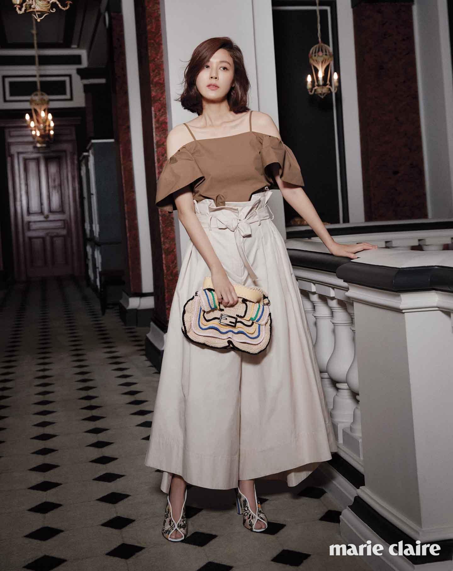 Suzy xinh đẹp nhưng style nhạt hơn hẳn các sao nữ khác trên tạp chí tháng 1 - Ảnh 22.
