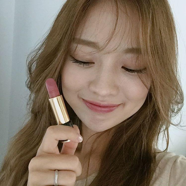Son màu hồng đất Kim Go Eun diện trong Goblin gây sốt, con gái Hàn thi nhau sắm - Ảnh 8.