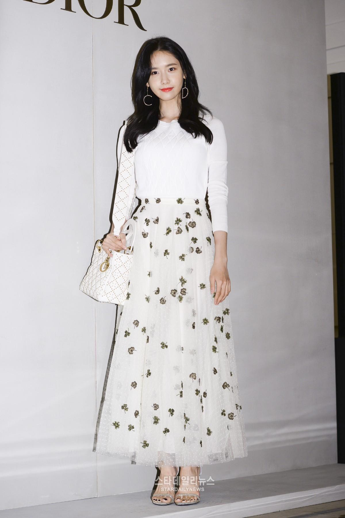 Yoona và Sulli cùng diện đồ hiệu đẳng cấp, đọ sắc vóc một chín một mười tại sự kiện của Dior - Ảnh 5.