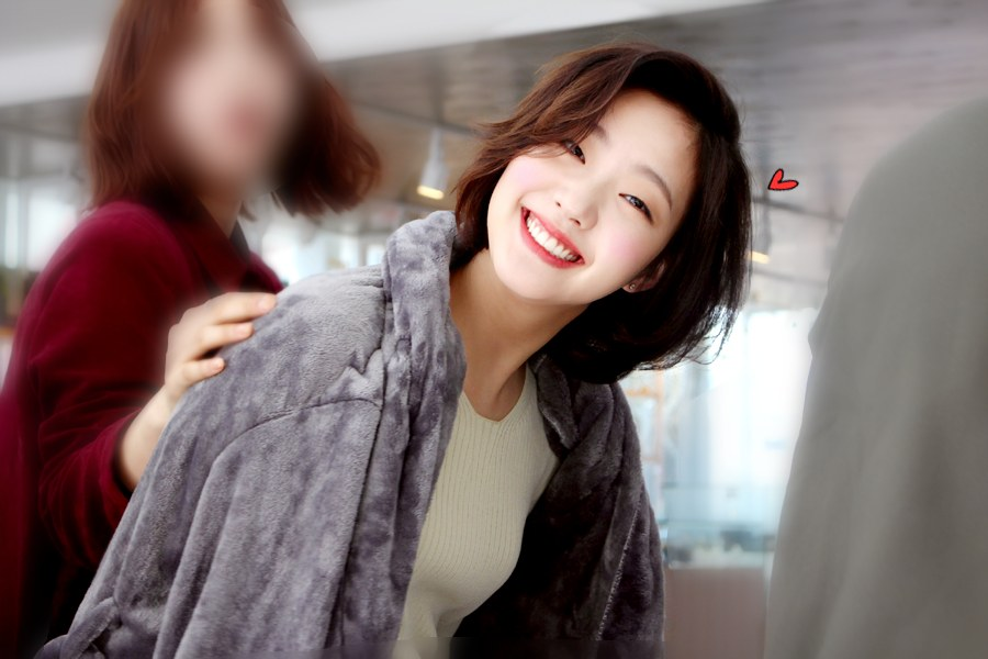 Trước bị chê xấu, nữ diễn viên Goblin Kim Go Eun đột ngột gây chú ý vì quá xinh đẹp - Ảnh 8.